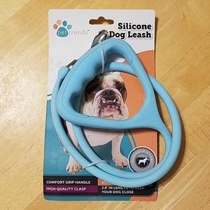 Pet trends silicone dog leash 2.8' in length